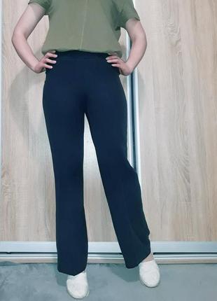 Темно-синие мягкие свободные брюки ровного кроя на высокой посадке principles petite