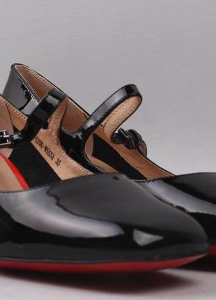 Лаковые туфли демисезонные