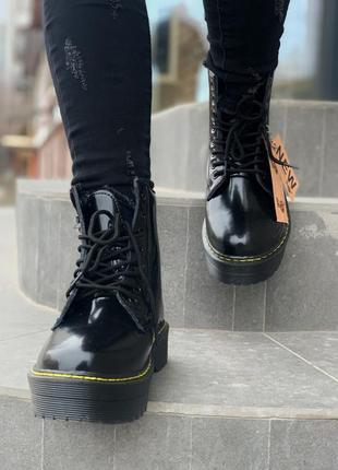 Dr.martens patent jadon fur black шикарные женские зимние ботинки с мехом лаковые мартинс3 фото