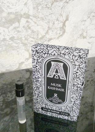 Attar collection musk kashmir_original mini vial spray 2 мл книжка миниатюра пробник2 фото