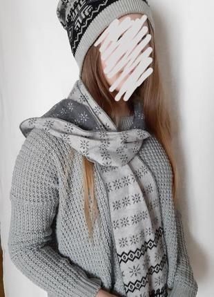 Набор комплект шапка и шарф в орнамент