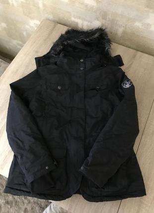 Чёрная,спортивная,лыжная куртка