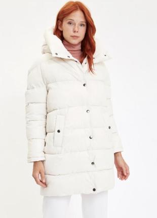 Новая белая курточка пуховик defacto