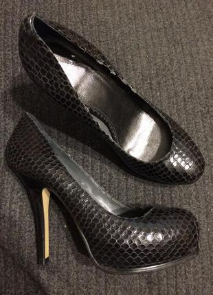 Carvela кожаные туфли под змеиную чешую