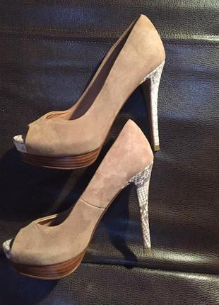 Замшевые туфли zara