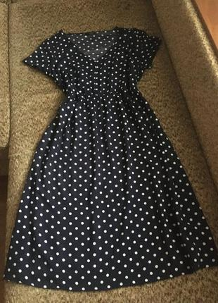 Милое вискозное платье в горошек