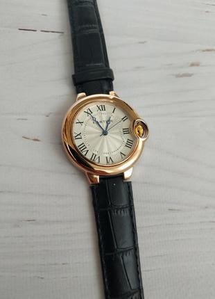 Шикарная дорогая модель часов