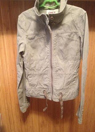 Молодёжная куртка ветровка жакет из плотной ткани на молнии