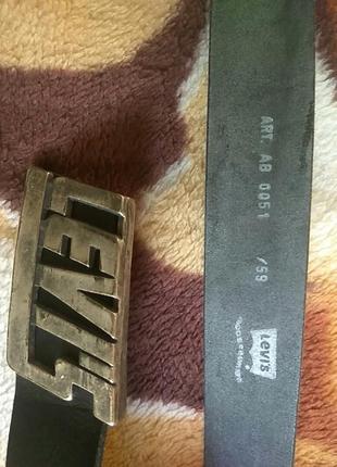 Винтажный кожаный ремень levi's 75 см оригинал новый.
