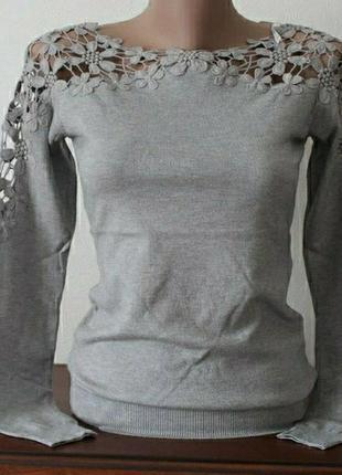 Красивая нарядная блуза