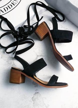 Steve madden оригинал черные замшевые босоножки на низком каблуке2 фото