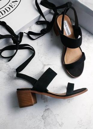 Steve madden оригинал черные замшевые босоножки на низком каблуке
