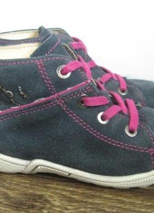 Замшевые ботиночки hush puppies р.26