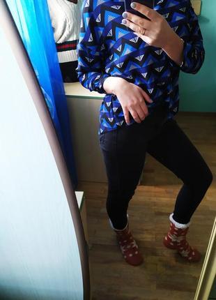 Синяя блуза рубашка в геометрический принт