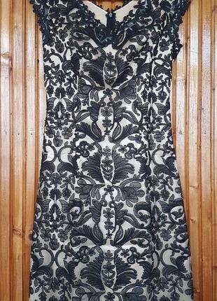 Стильное вечернее платье сетка с вышивкой