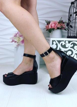 Босоножки, туфли на танкетке черные натуральная кожа с закрытой пяточкой4 фото