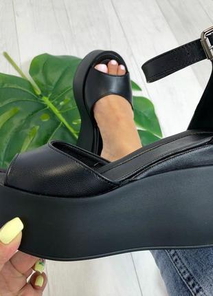 Босоножки, туфли на танкетке черные натуральная кожа с закрытой пяточкой2 фото