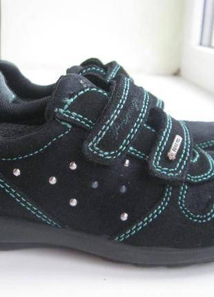 Замшевые кроссовки (ботинки) primigi gore tex р.28