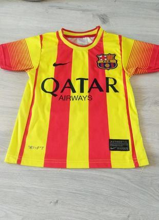 Фирменная сплртивная футболка. fcb neymar jr.