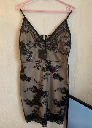 Срочно продам! новое, нарядное платье расшитое пайетками parisian collection