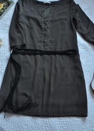Платье хаки прямого силуэта с орнаментом 3-092