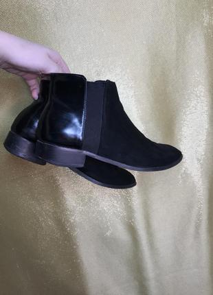 Короткие сапожки-ботинки с острым носком, замшевые