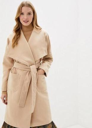 Итальянское бежевое люкс качества пальто rinascimento