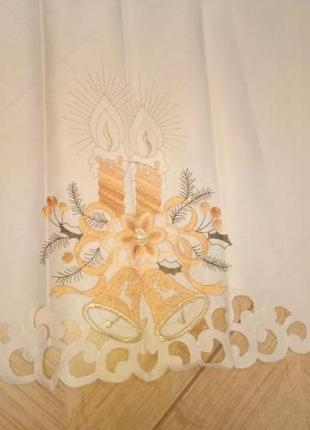 Красивая нарядная скатерть с вышивкой 160*130см