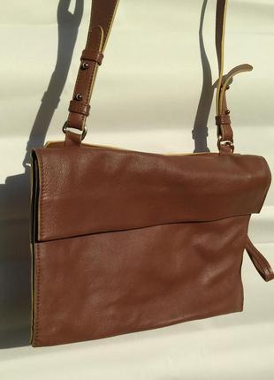 Стильная сумка италия bata кожа