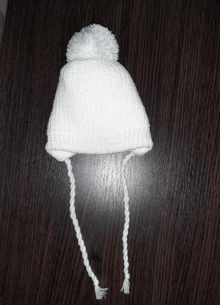 Вязаная шапоска с помпоном