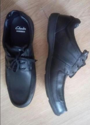 Туфли кожаные clarks, англия. демисезон. новые. 45размер