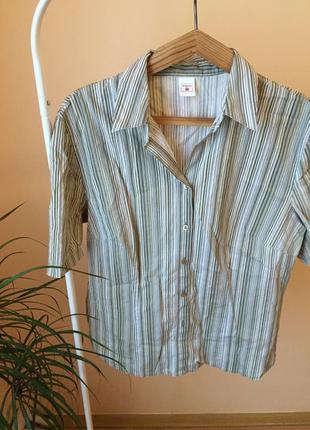 Рубашка винтажная с воротником с коротким рукавом.