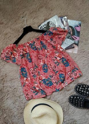Красивая блузка с открытыми плечами/топ/блуза/кофточка