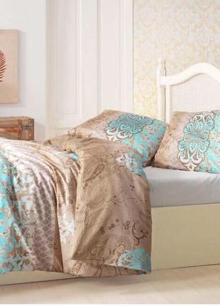 Стильный набор  постельного белья с простынью на резинке  на двухспальную кровать