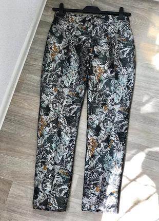 Шикарные прямы брюки, нарядные брюки, штаны со стрелкой из парчи conleys