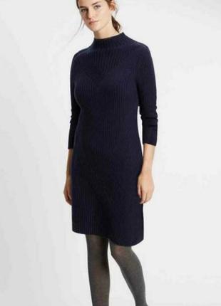 Шерстяное вязаное платье