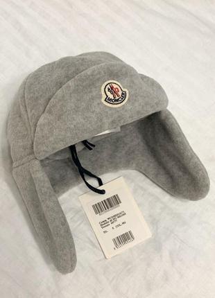 Moncler серая флисовая шапка ушанка на мальчика оригинал новая c 1-2 года