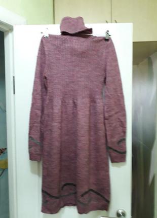 Теплое вязаное трикотажное платье