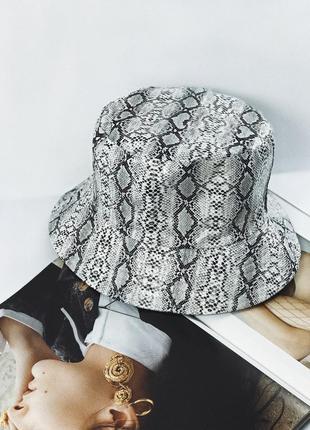 Розпродаж! двохстороння панамка в зміїний принт екошкіра капелюшок панамка демісезон
