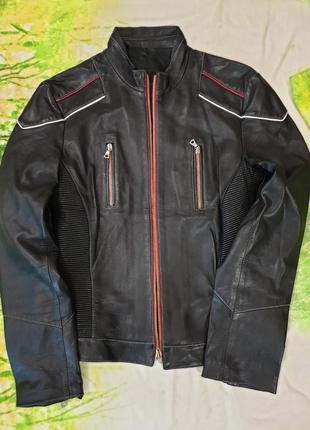 Продаю жіночу шкіряну куртку vera pelle