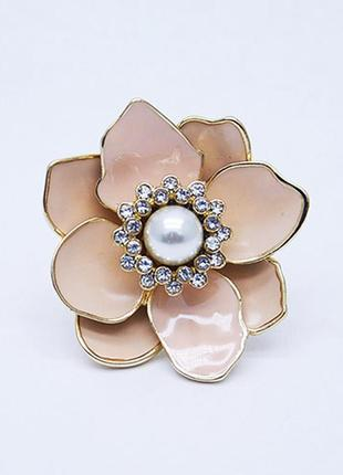 Шикарное коктейльное кольцо цветок с эмалью и жемчугом
