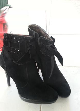 Красивые, стильные ботиночки от queen.