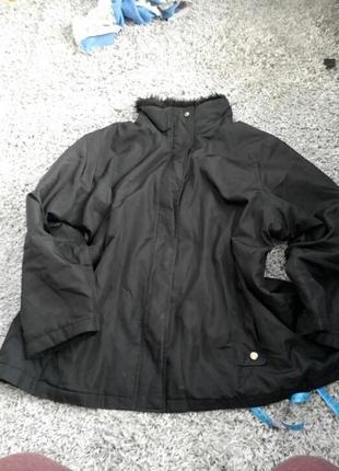 Курточка тонка