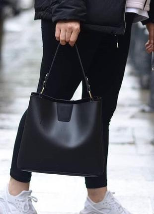 Стильная и вместительная сумка