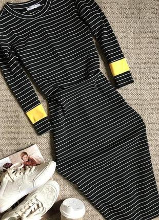 Платье миди трикотажное в полоску от zara.