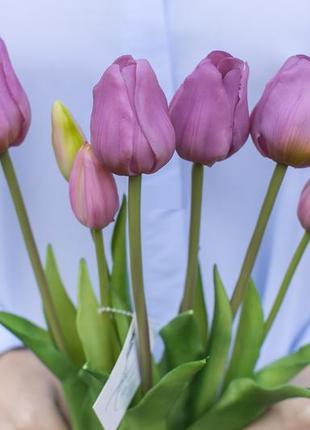 Букет классических тюльпанов 4+3