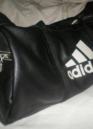 Спортивная или дооожная сумка,кожа