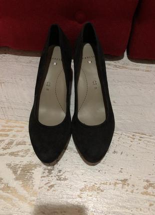 Туфлі із натуральної замші,від varese,розмір 39,стелька 25