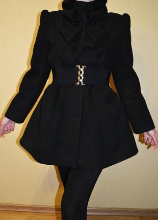 Черное пальто - колокольчик юбка - солнце  morgan