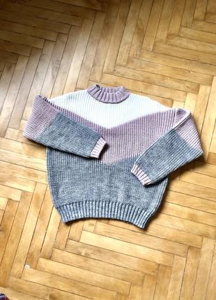 Уютный мягкий шерстяной свитер оверсайз
